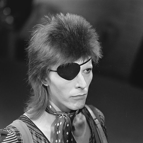 David_Bowie_-_TopPop_1974_04